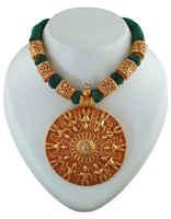 Green Colour Gold Tone Geru Jewellery Set