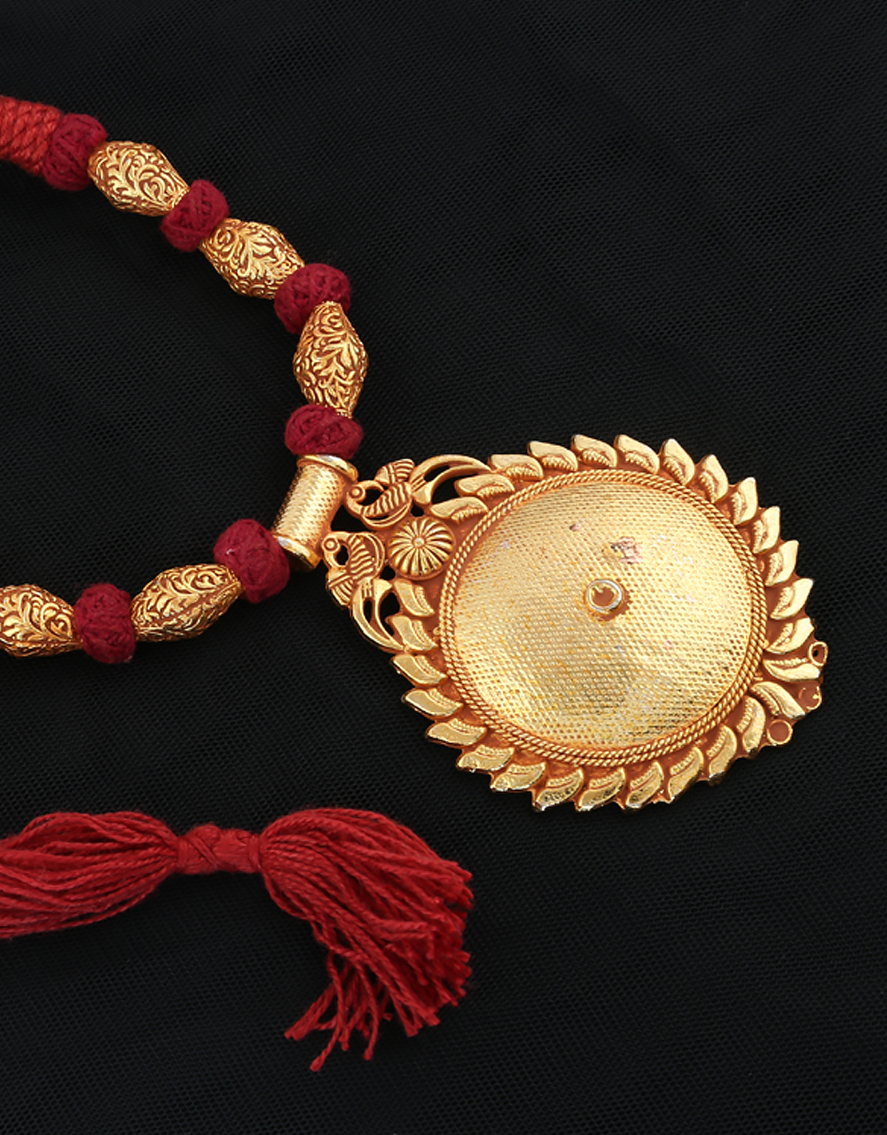 Round Shape Maroon Colour Peacock Design Geru Necklace
