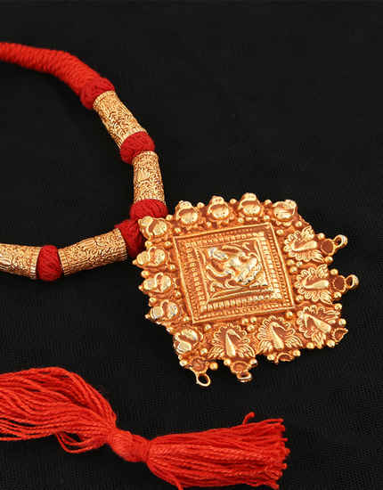 Geru Polish Temple Design Geru Thread Necklace