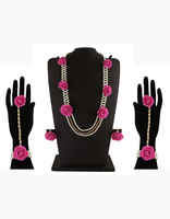 Pink Colour Floral Jewellery Styled With Pearls Flower Jewellery For Mehandi