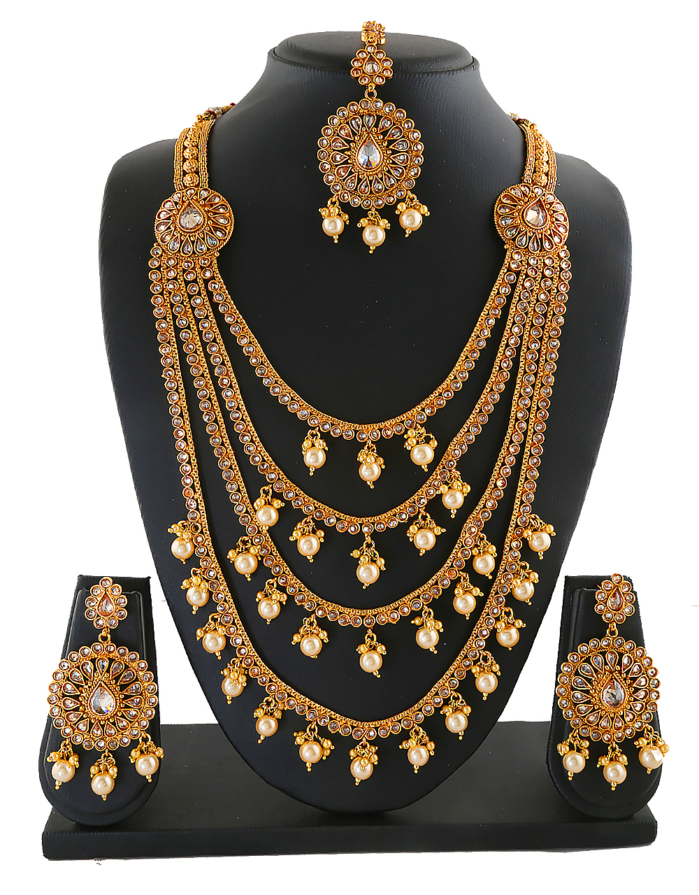 Antique Jewellery Styled With Pearls Bridal Jewellery Set