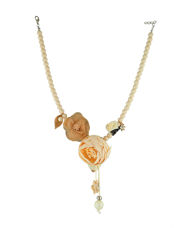 Cream Colour Designer Necklace Jewellery Set