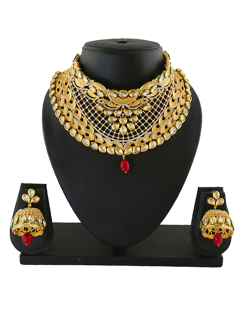 Gold Finish Kundan Necklace Studded With Diamond Bride Jewellery