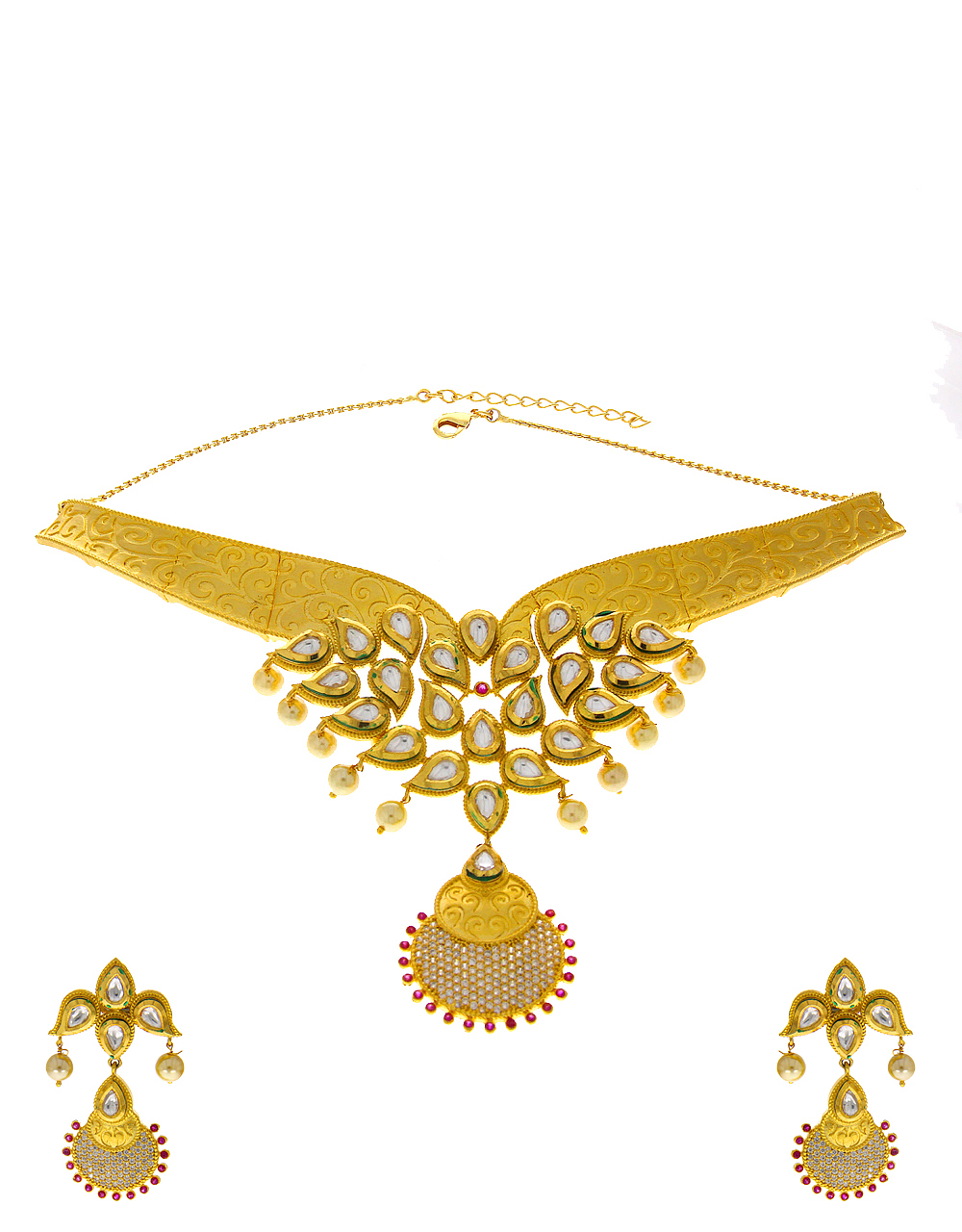 Matte Gold Finish Traditional Kundan Necklace Styled With Pearls Jewellery