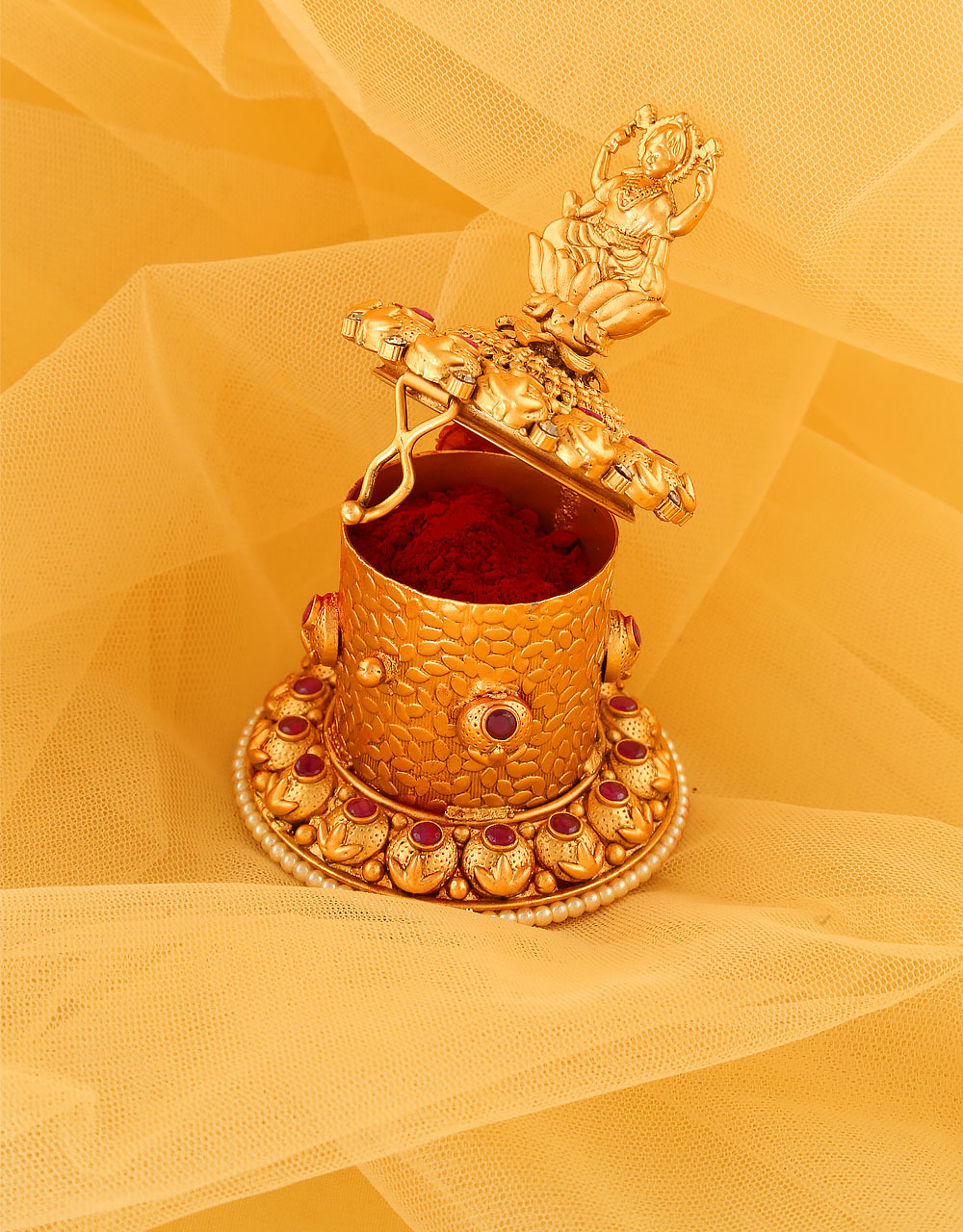Pink Colour Matte Gold Finish Fashionable Sindoor Box Dabbi