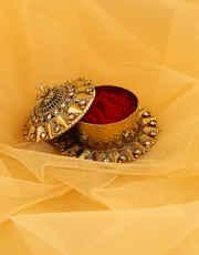 Antique Gold Finish Fashionable Sindoor Box Bharani
