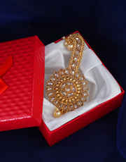 Fashionable Gold Finish Groom Accessory Brooch