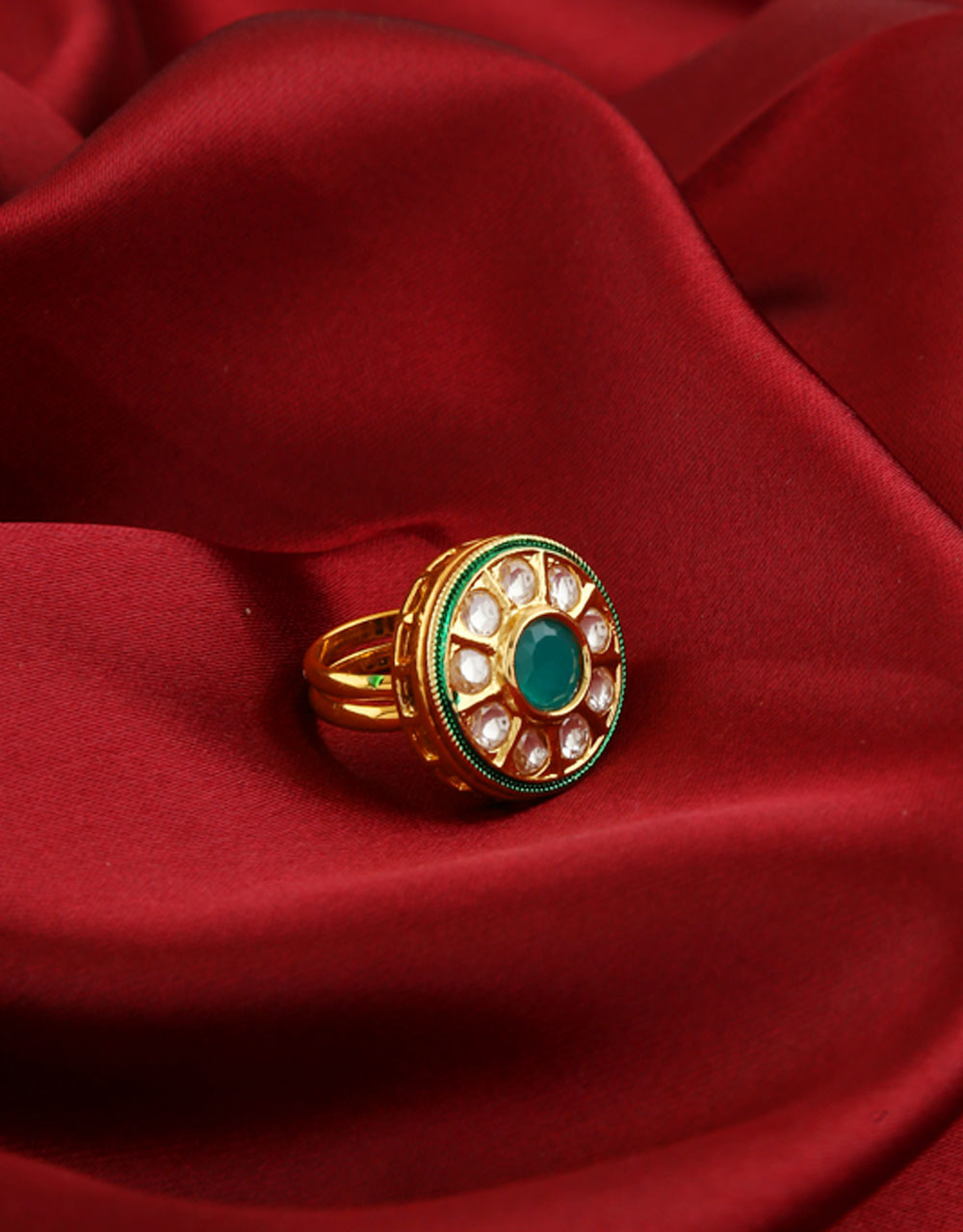 Round Shape Gold Finish Kundan Finger Ring