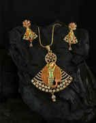Matte Gold Finish Diamond Fancy Pendant Set