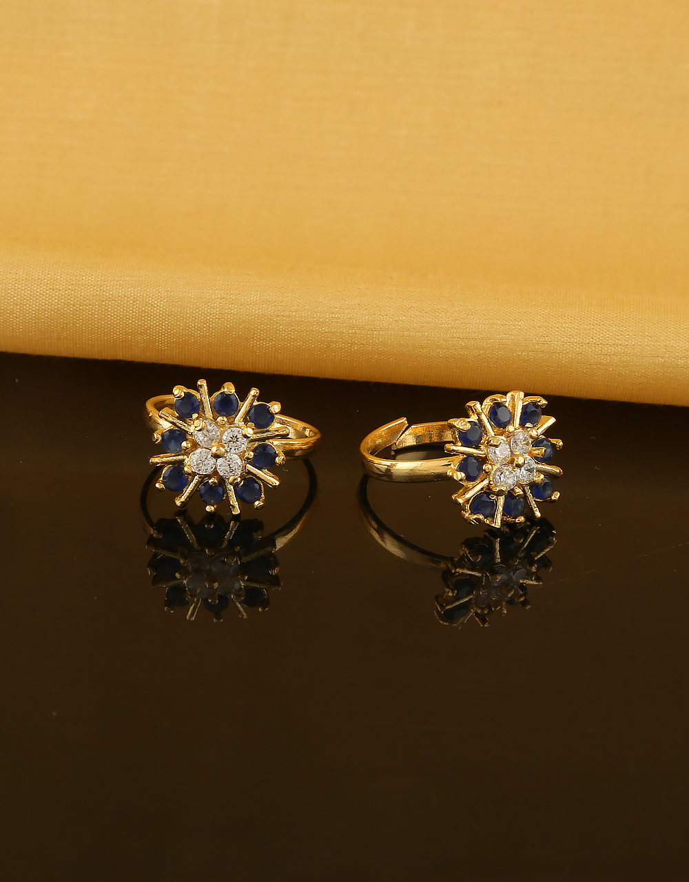Gold Finish Toe Ring Blue Colour Styled Floral Stone Bichua