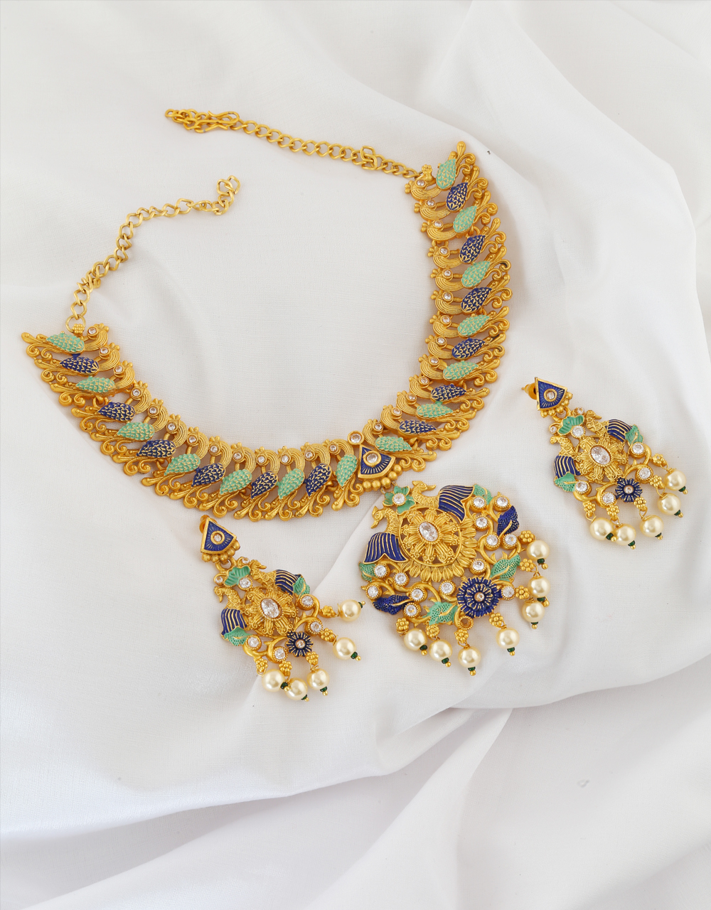 Gold Finish Pearls Beads Green Colour Design Necklace Set