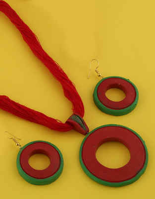 Red-Green Colour Terracotta Necklace For Girls Fancy