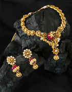 Matte Gold Finish Floral Design Necklace Jewellery