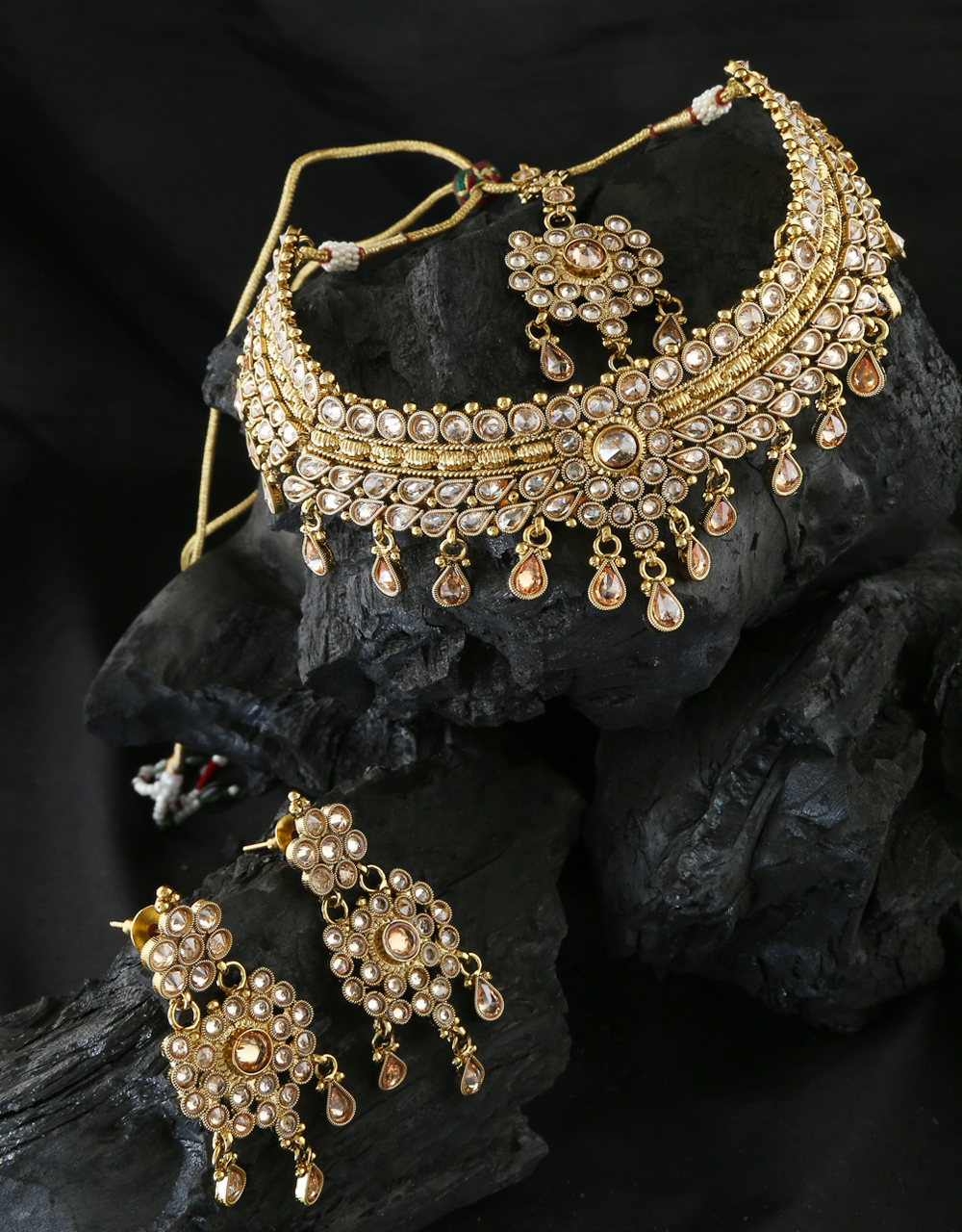 Antique Gold Finish Traditional Necklace