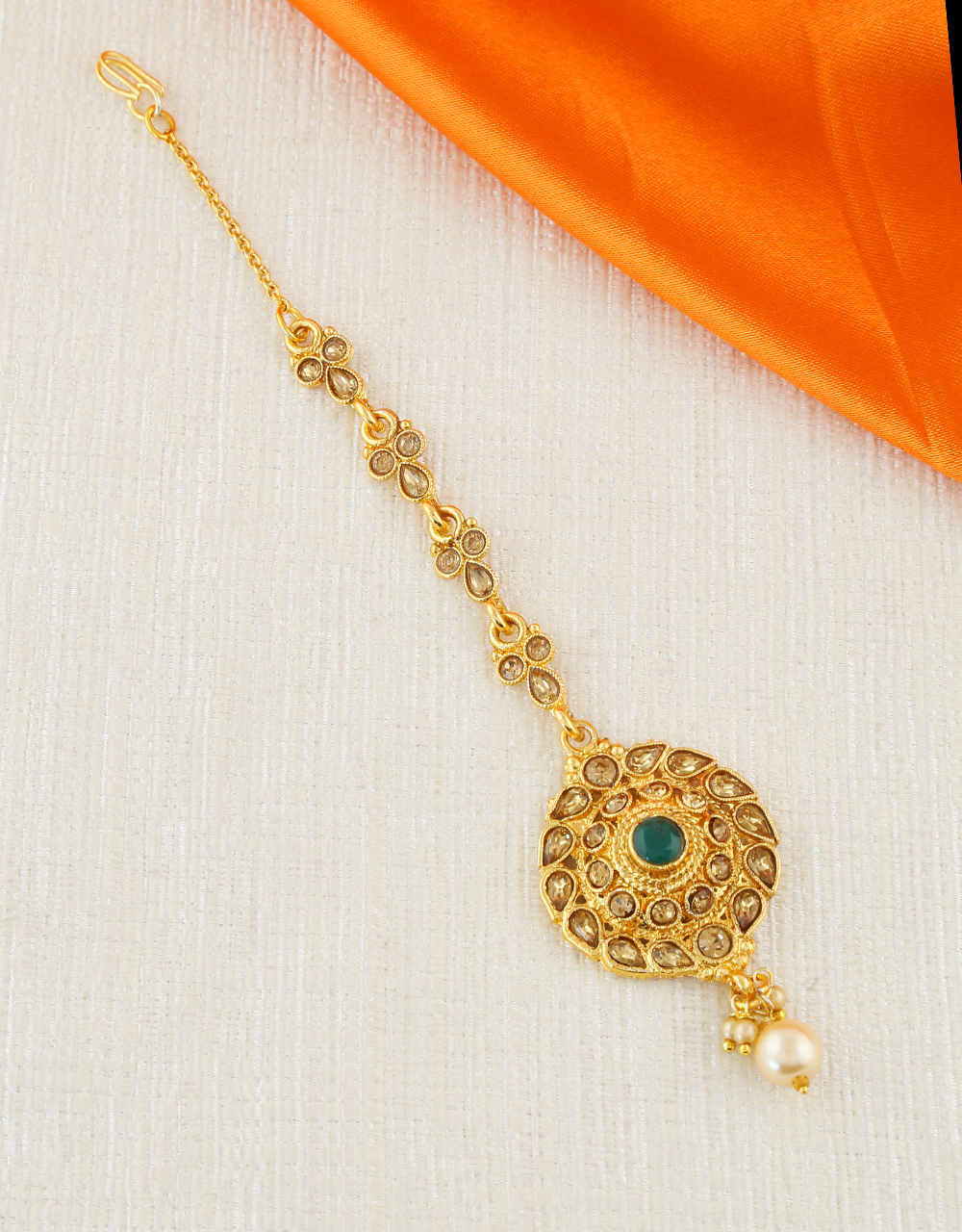 Green Colour Gold Finish Trendy Party Wear Mang Tika