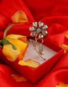 Grey Colour Gold Finish Floral Design Brooch