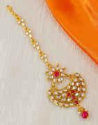 Pink Colour Gold Finish Tikka For Wedding