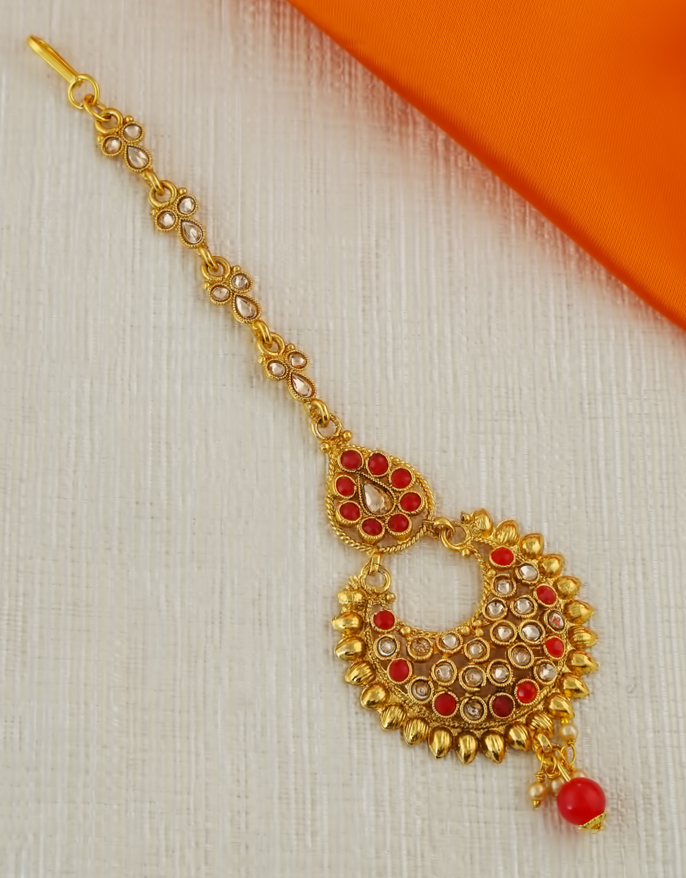 Red Colour Gold Finish Mang Tikka Fancy