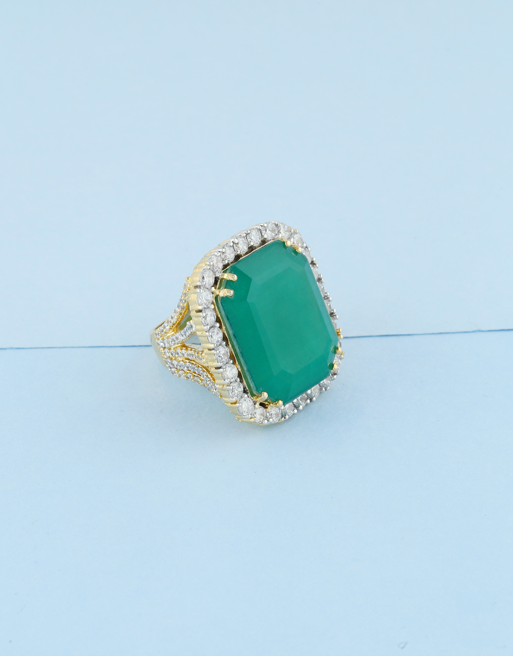 Green Colour Gold Finish Fashionable Ring