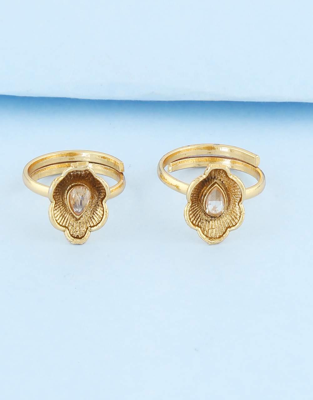 Antique Gold Finish Fancy Traditional Toe Ring