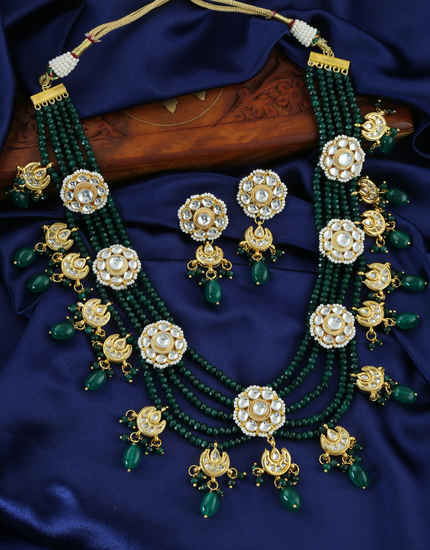 Very Classy Gold Finish Kundan Beads Necklace For Girls Fancy