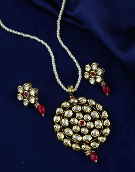 Red Colour Gold Finish Designer Fancy Kundan Pendant Set