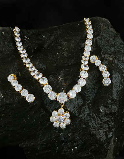 Floral Design Gold Finish Studded With Diamond Necklace