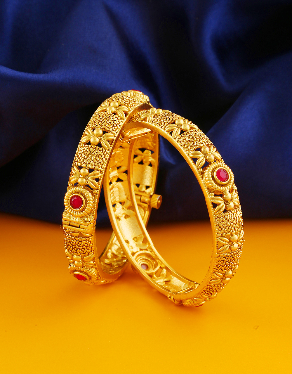 Red Colour Matte Gold Finish Wedding Bangles For Women