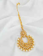 Gold Finish Styled With Pearls Beads Fancy Mang Tika