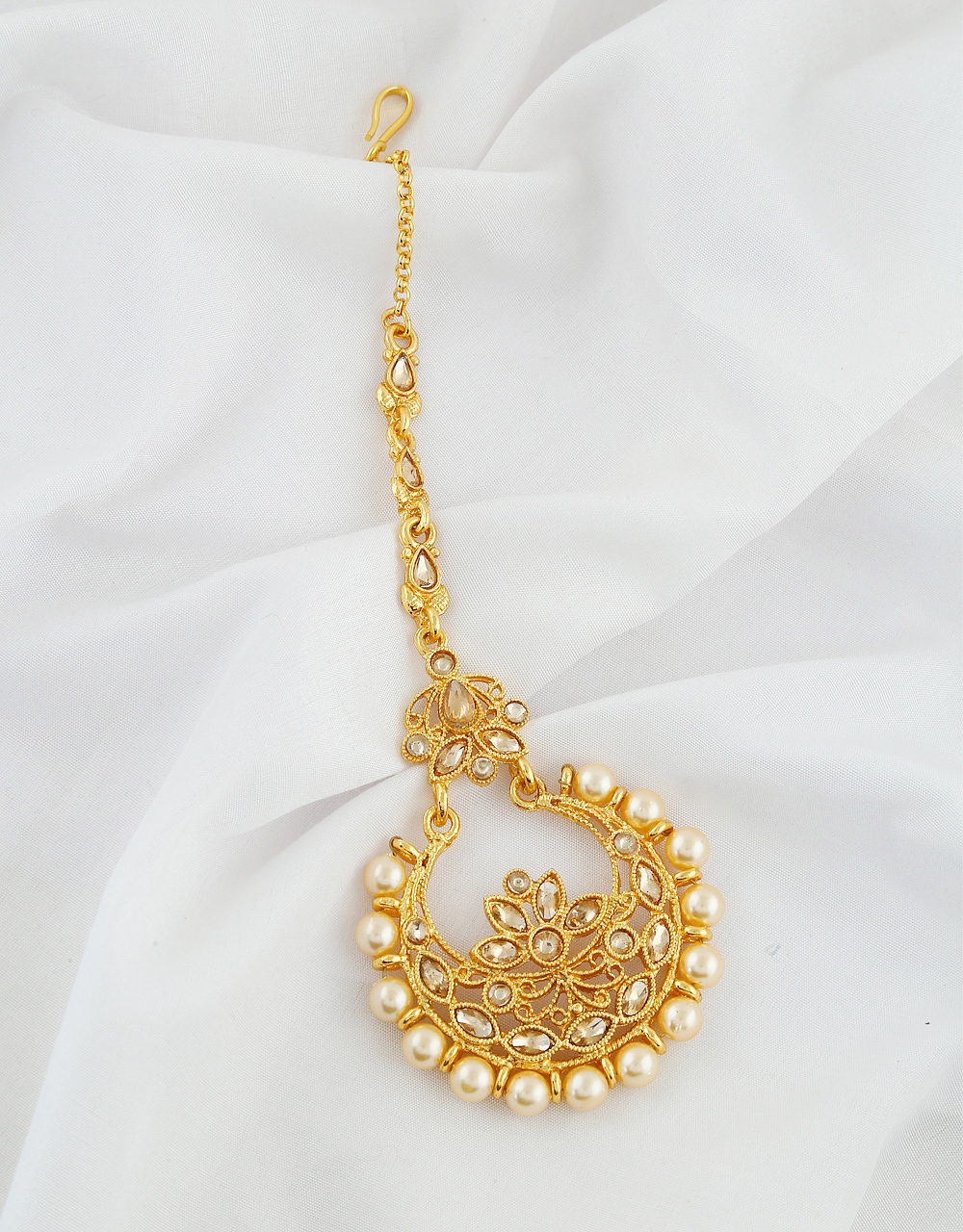 Antique Gold Finish Pearls Styled Mang Tika Jewellery