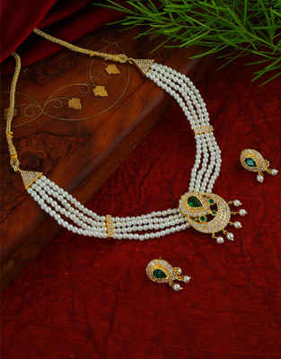 Green Colour Gold Finish Stunning Moti Necklace For Women