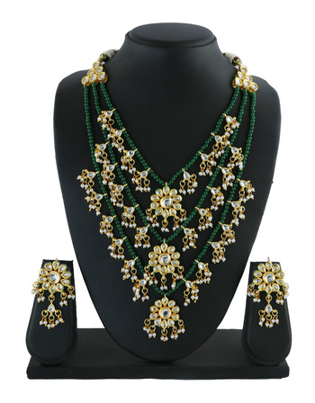 Fashionable Gold Finish Kundan Necklace Styled With Pearls Beads Kundan Jewellery