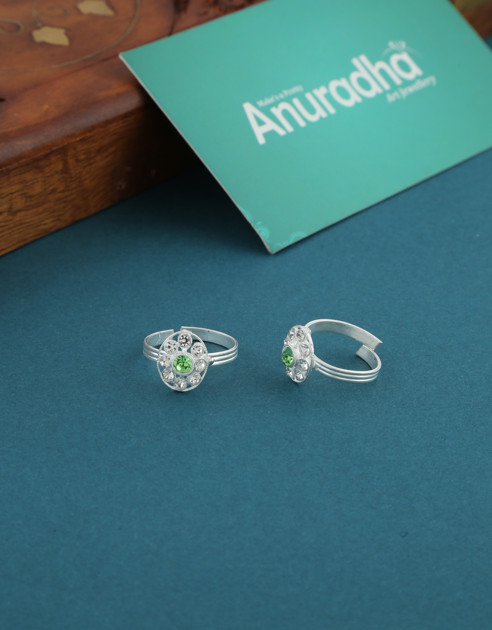 Simple Green Colour Stunning Toe Ring For Girls