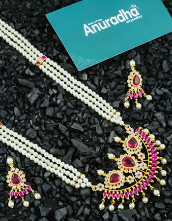 Pink Colour Gold Finish Moti Necklace For Wedding Fancy