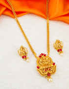 Red Colour South Matte Finish Fashionable Traditional Pendant Set