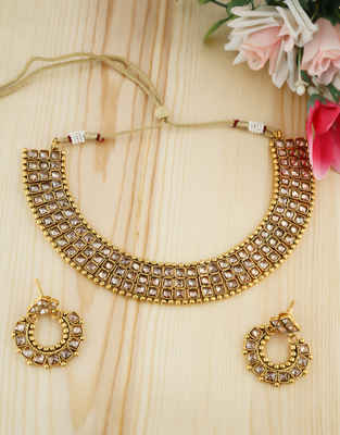 Fashionable Gold Finish Necklace Studded With Stones Traditional Fancy Necklace