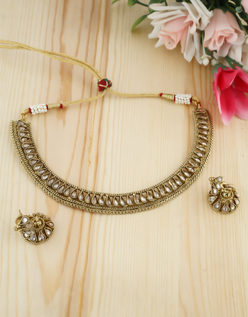 Fancy Simple Gold Finish Stunning Necklace For Girls Fancy Wear