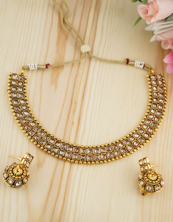 Fashionable Antique Gold Finish Stunning Necklace For Girls Traditional Wear