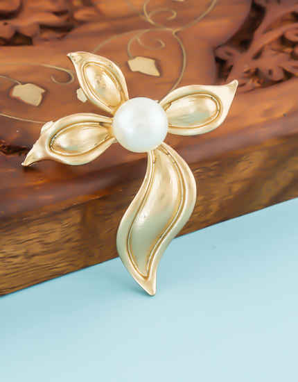 Gold Finish Unique Design Fancy Moti Brooch For Girls