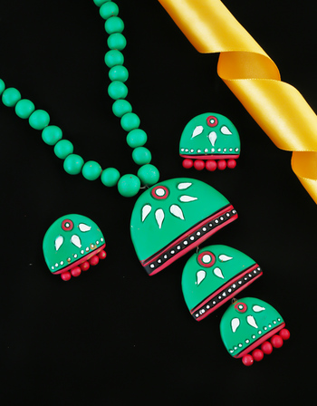 Green Colour Very Classy Designer Fancy Terracotta Necklace