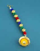 Multi Colour Gold Finish Thread Work Mang Tikka