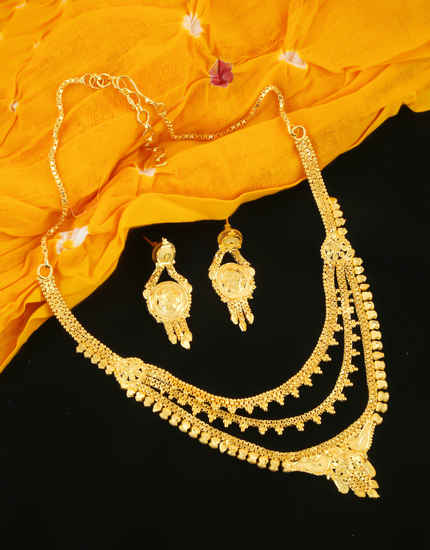 Artificial Gold Finish Fancy Wedding Necklace For Women