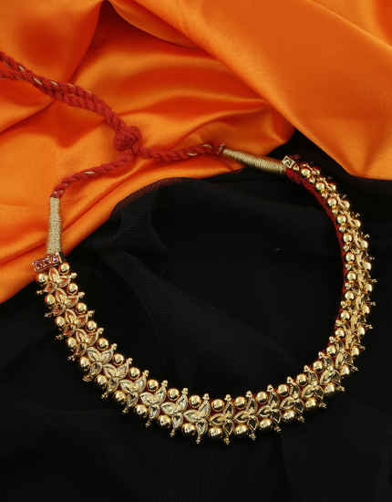 Floral Design Fancy Gold Finish Maharashtrian Thushi Necklace