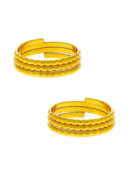 Fancy Gold Finish Traditional Toe Ring For Women