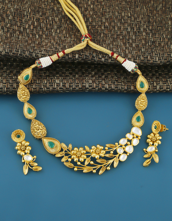 Green Colour Gold Finish Kundan Necklace For Women