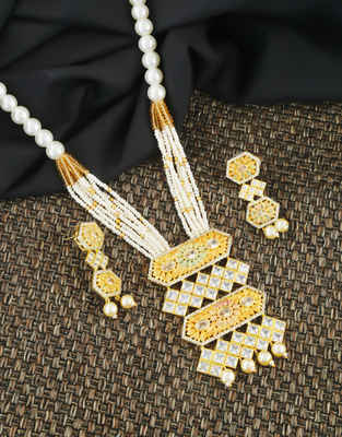 Gold Finish American Diamond Stylish Pendant Moti Necklace