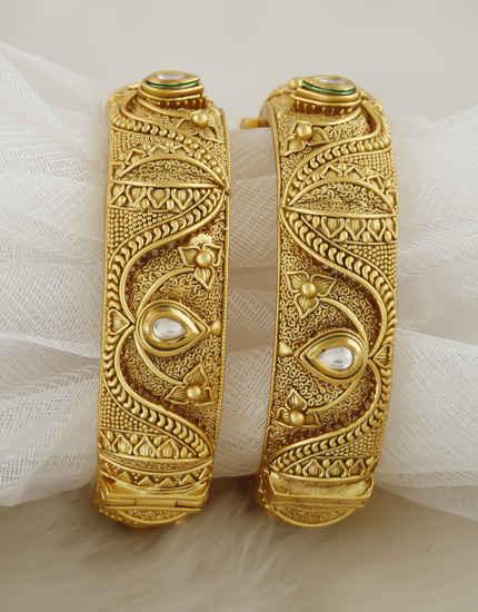 Fashionable Antique Gold Finish Wedding Bangles