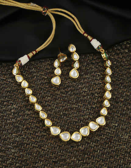 Simple Gold Finish Kundan Necklace Jewellery For Girls