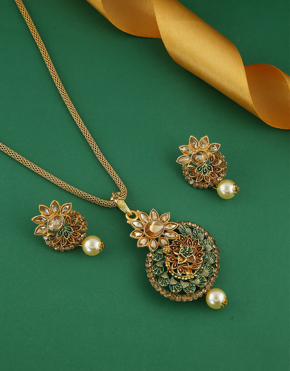 Green Colour Gold Finish Floral Design Traditional Chain Pendant Set