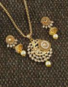Antique Gold Finish Stunning Pendant Set For Women